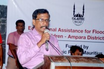 'இஸ்லாமிக் ரிலீப்' அமைப்பு பேதங்களின்றி உதவுகிகிறது; பிரதிக் கல்விப் பணிப்பாளர் குணாளன் பாராட்டு
