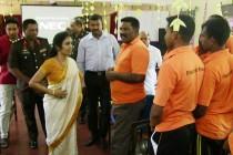 அனுராதபுரம் சிறைச்சாலைக்கு பிரதிமைச்சர் விஜயகலா விஜயம், அரசியல் கைதிகளையும் சந்தித்தார்