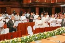 தேசிய அரசாங்கத்தில், 42 அமைச்சர்கள் இன்று பதவியேற்பு