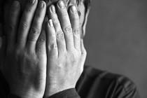 முற்றும் துறந்தவரால் ஏற்படும் முகச் சுளிப்பு; ஹிக்கடுவயில் 'ச்சீ..'