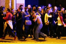 துப்பாக்கி ஏந்திய 07 பேர், ஒரு தற்கொலைதாரி; பிரான்ஸ் தாக்குதல், நடந்தது என்ன?