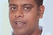 நாடாளுமன்ற உறுப்பினர் சனத் நிஷாந்த, கட்சி உறுப்புரிமையிலிருந்து இடைநிறுத்தம்