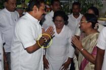71 ஆவது பிறந்த நாளை, கேக் வெட்டிக் கொண்டாடினார் மஹிந்த