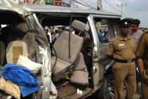 வேன் – பஸ் கோர விபத்தில் 10 பேர் பலி; சாவகச்சேரியில் பரிதாபம்