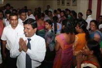 பதவி நீக்கப்பட்ட விஜேதாஸ, அமைச்சிலிருந்து வெளியேறினார்