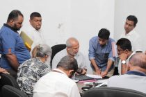உள்ளுராட்சித் தேர்தலில் மு.கா. எப்படிப் போட்டியிடுவது: கட்சி அமைப்பாளர்களுன் ஹக்கீம் கலந்துரையாடல்