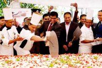 உலகில் மிகப் பெரிய ஸ்ரோபரி பீட்ஸா: நுவரெலியாவில் தயாரிப்பு
