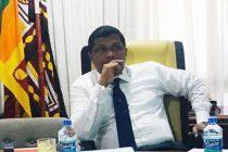 அரசு ஊழியர்கள் பேஸ்புக் பயன்படுத்தினால் பணி நீக்கம் செய்யப்படுவர்: மத்திய மாகாண ஆளுநர் அதிரடி அறிவிப்பு